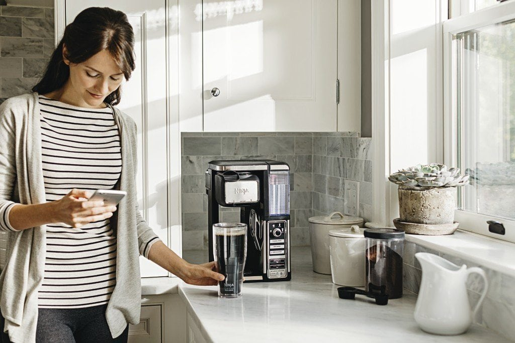 a single serve coffee maker in the kitchen