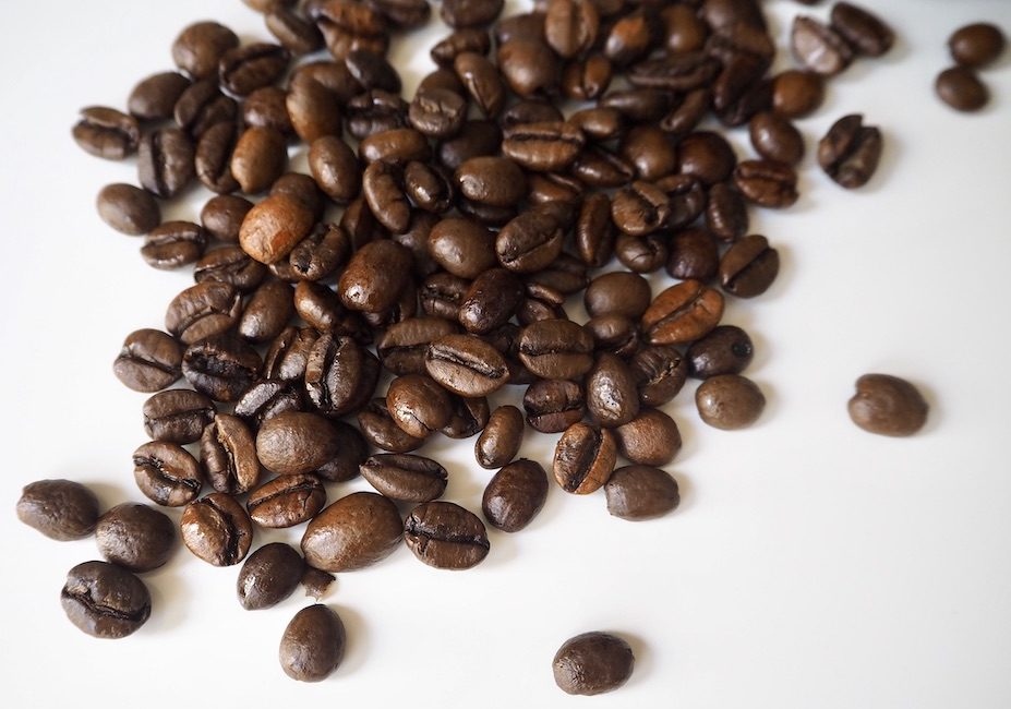 What do Excelsa coffee beans look like?