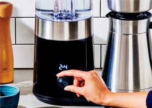 a coffee machine that can produce 8 cups