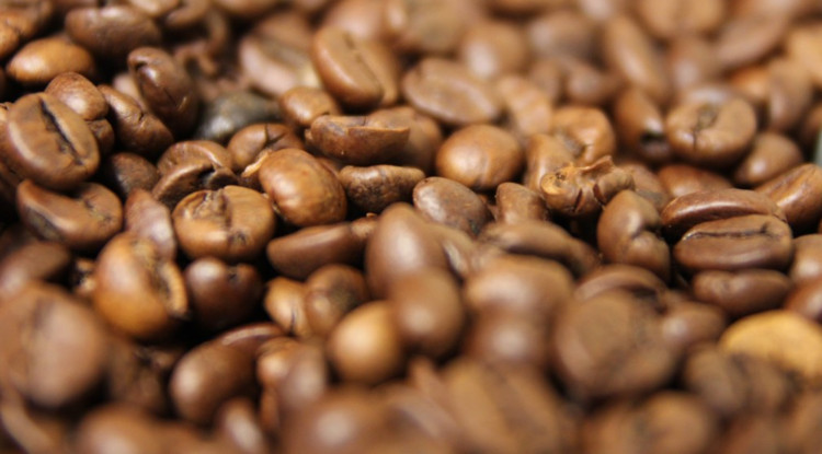 4 ways coffee is decaffeinated