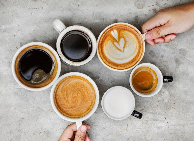 coffee on mugs