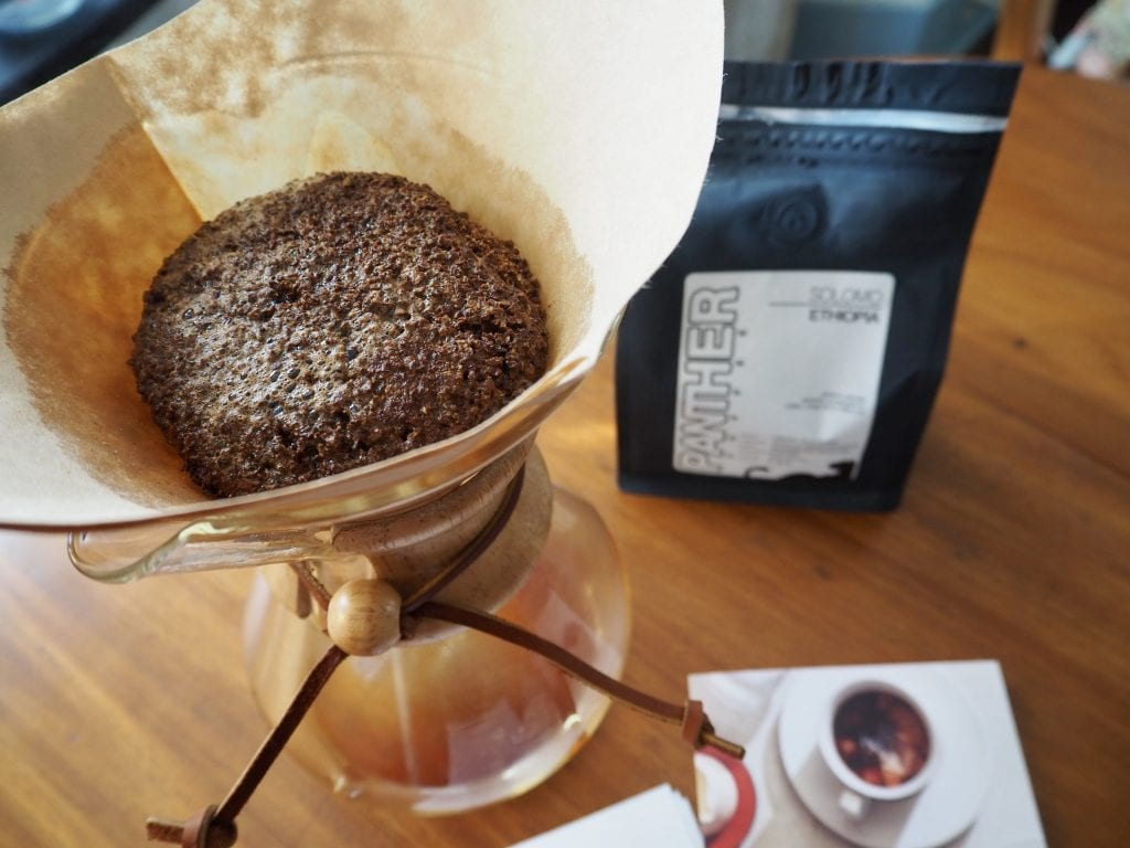 coffee bloom Chemex