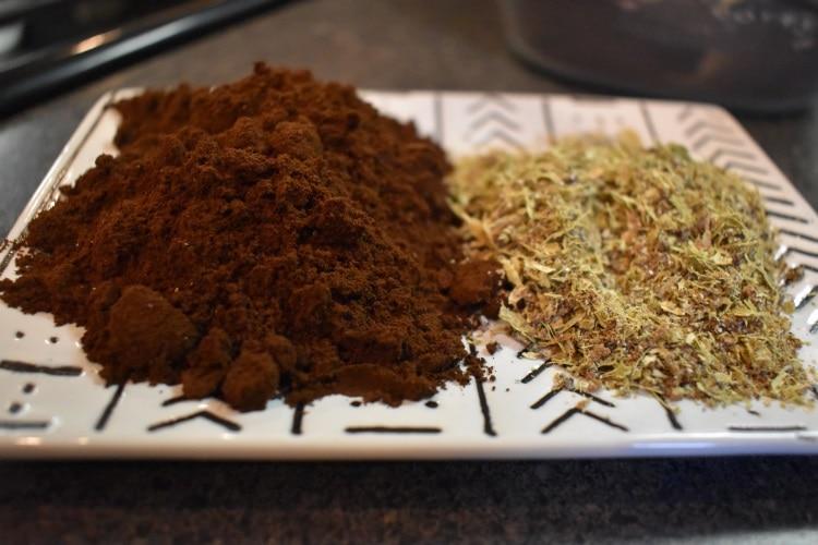 Ground cardamom & ground coffee