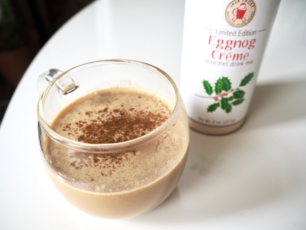 nutmeg and cinnamon on eggnog latte