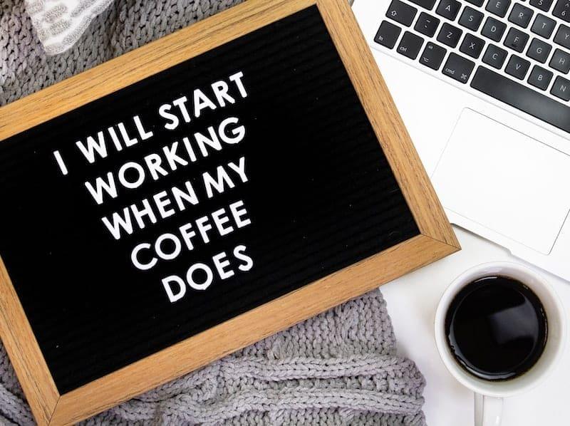 میس برای قهوه در روز دوشنبه