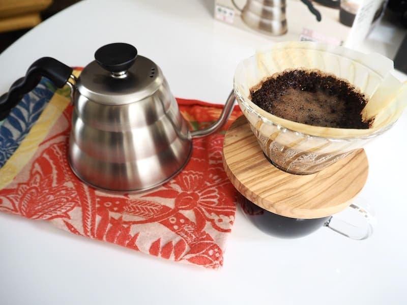 Hario Buono kettle with V60