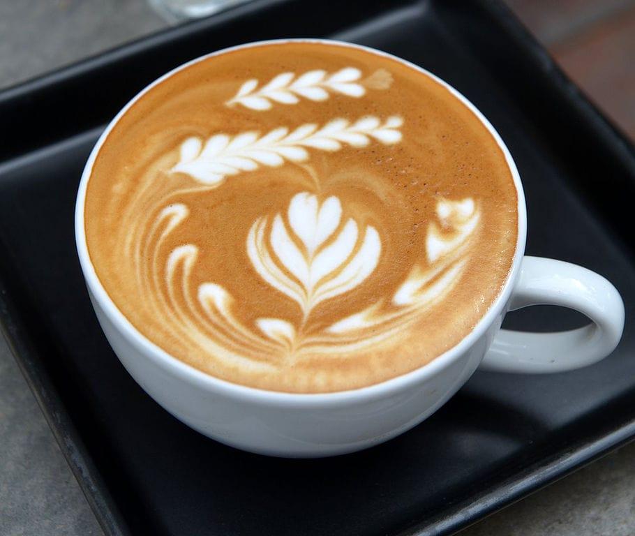 Latte art tulip wave design