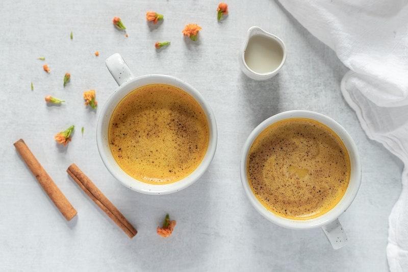 golden milk latte garnish