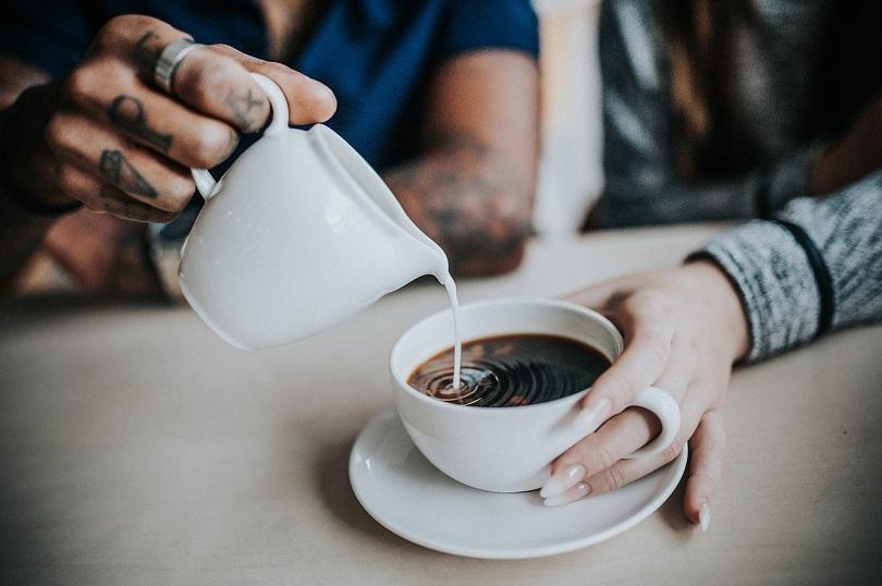 coffee-pour-pixabay