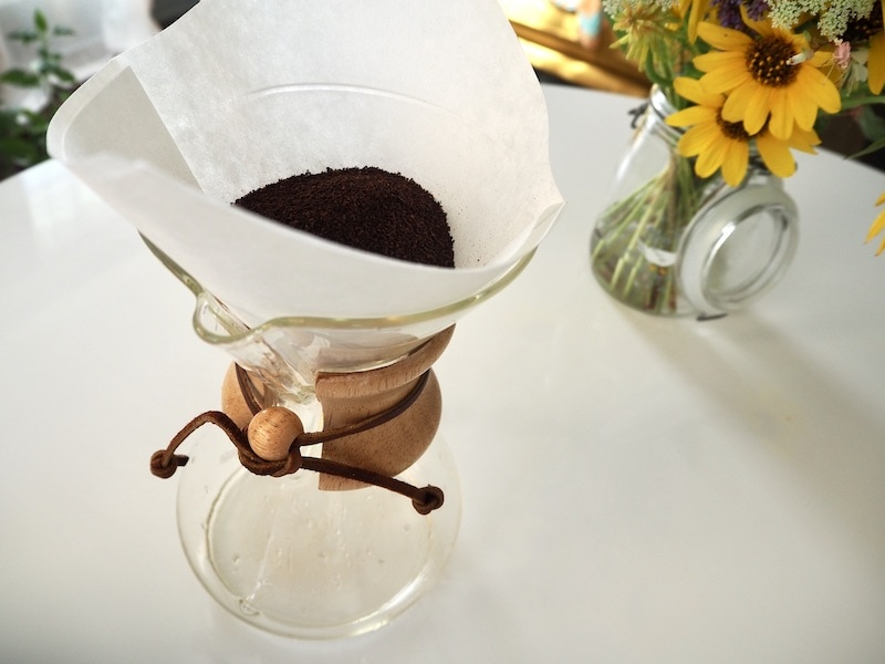 Chemex with ground coffee and filter
