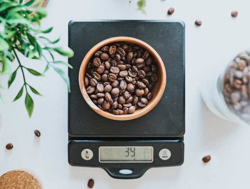 measure coffee beans kitchen scale