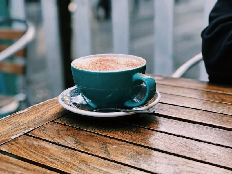 caffeine in chai latte