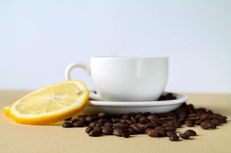 lemon in coffee