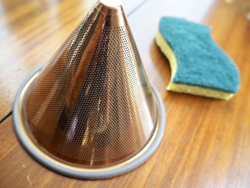 reusable coffee filter cleaning