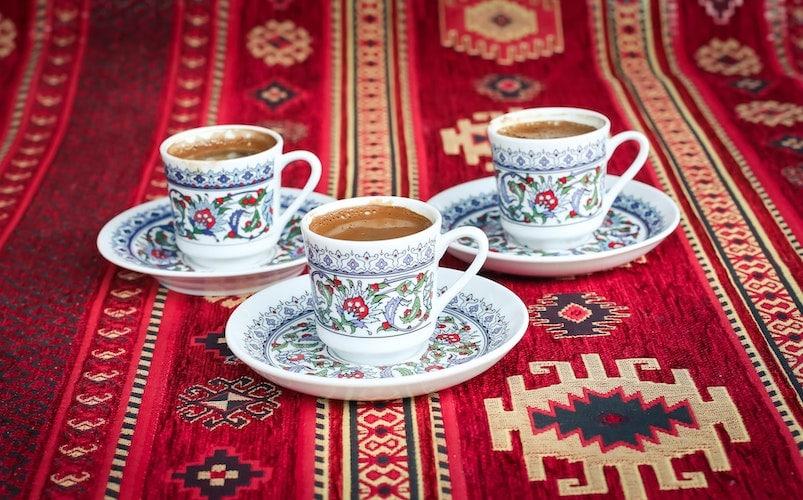 قهوه ترک در فنجان های کوچک