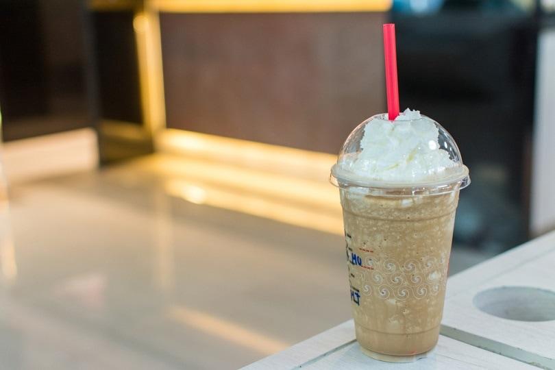 قهوه یخ زده یا Frappuccino_WiPhotoHunter_shutterstock