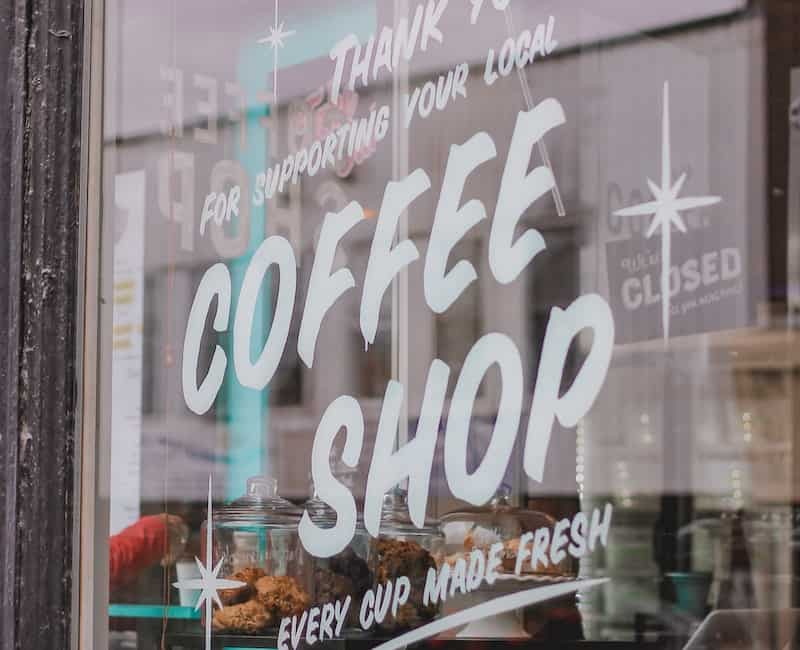 برای پنجره یک کافه محلی ثبت نام کنید