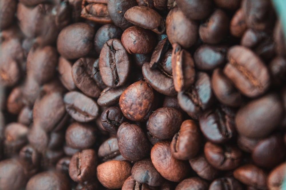 کج شدن دانه های قهوه