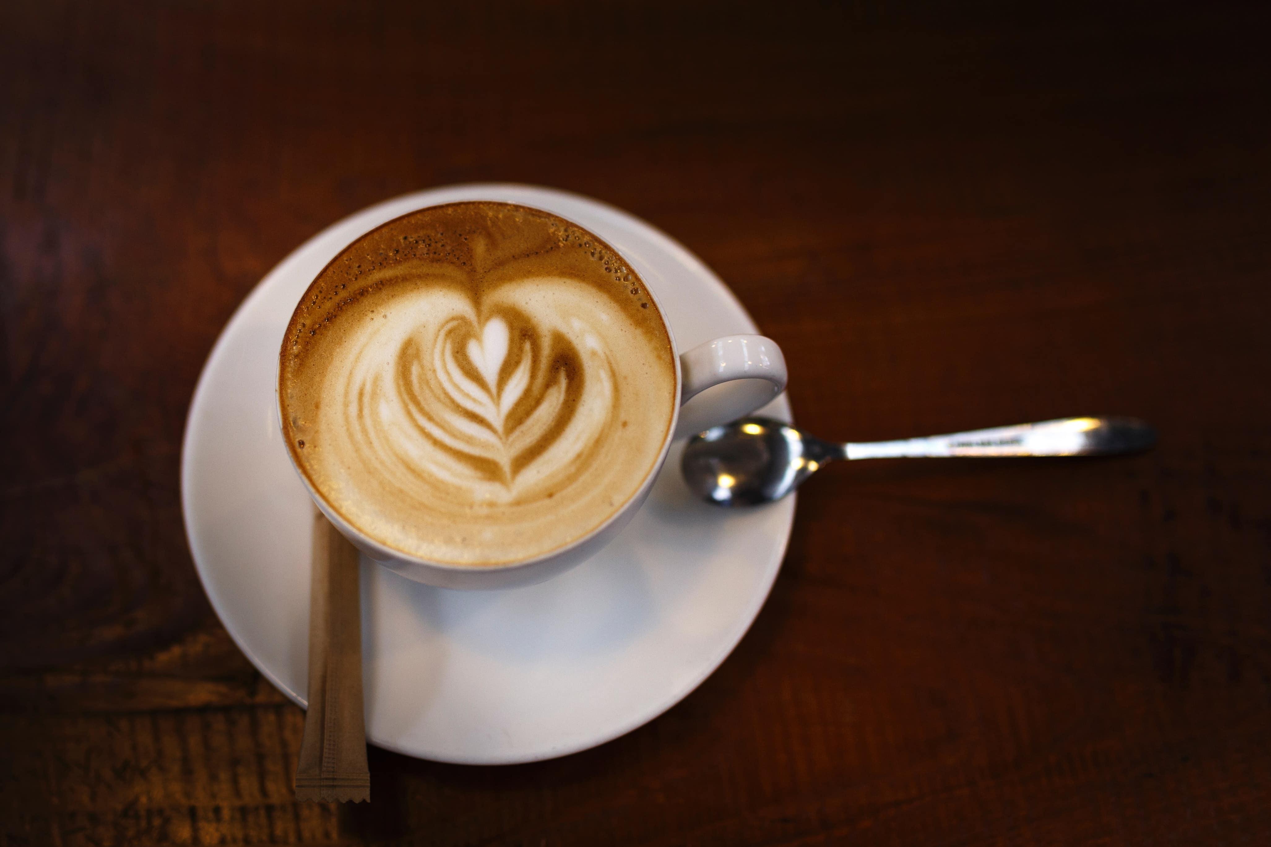 یک فنجان کاپوچینو
