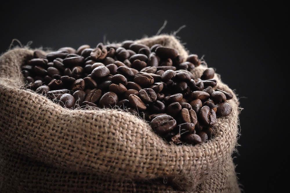 کیسه دانه های قهوه را ببندید