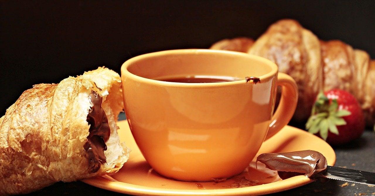 قهوه و کروسان